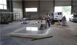 Próba betonu polerowanego w miejscu docelowym